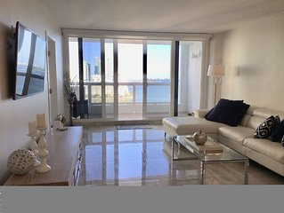 Luxury Bay view Condo, spacious 2/2 Remodeled NEW!