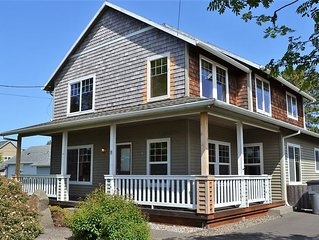 4B/3.5 Newer Roomy Home, Cozy Fireplace, Close to Town/Beach/Convention Ctr