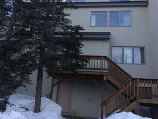 Great location - 3 bd, 2 bath Condo, Close to Trails & Village