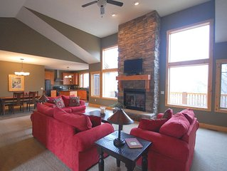 Spacious Getaway In The Reserve at Boyne Mountain! Ski, Golf, Bike and More!