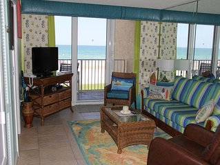 Oceanfront with fantastic view! The Mellow Mermaid Suite at Oceania Beach Club