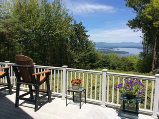 A Wonderful Mountain Home With Amazing Lake Winnipesaukee & Mountain Views .