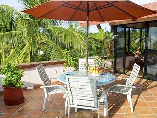 Oceanview, luxury rooftop apartment, large terrace, chlorine-free pool