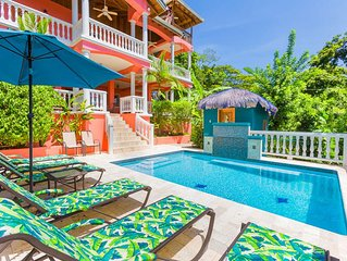 Seaside Inn B&B - Private Pool! 2 minute walk to West Bay Beach!!
