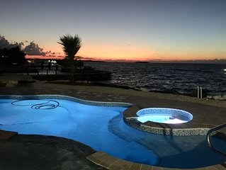 Direct Gulf Front-Spectacular Sunsets-2 Master Suites, 10ft Spa, 2 Kayaks