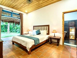 Savanna Sóng BeachFront Villa