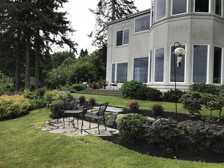 Elegant Bluff Home with 180 + degree view of Puget Sound and mountains