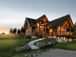 Private Log Home, unparalleled Teton Views, 10 minutes from downtown Driggs,