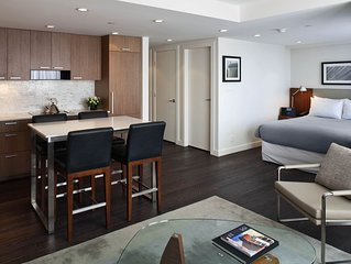 Beautifully Furnished, Modern Studio Apartment in Downtown Vancouver