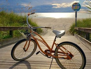 Beautiful Pass-A-Grille Beach House-Includes Bikes, wifi & steps to beach!