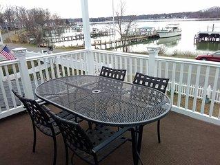'Marina Sunset' - Waterfront Retreat Overlooking Monroe Bay