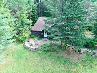 Sunset Loj-Mirror Lake Historic Camp-Wooded Privacy-Pet Perfect