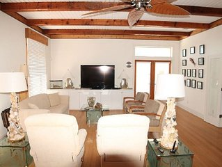 Cloud Nine, Amazing 4 Bedroom, Ocean Front, 60' Flat Screen, WIFI and more