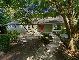 New Listing! Pet Friendly Chateau at the Gateway to Wine Country - sleeps 12