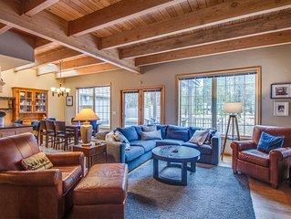 3 Bedroom, 3 Bath Home w/ Wood Fireplace, Ping Pong, Hot Tub, Bikes - THRU03