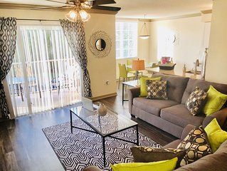 1/1 Sleeps 4 Walk to Sawgrass Mall/BB&T Center