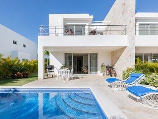 Modern Golf & Beach Villa – Bahia Principe, Playa Nueva Romana