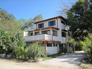 Location, location! 3 Minute Walk to the Beach & loads of restaurants and fun!