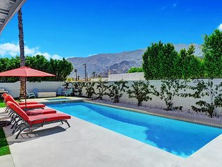 Mid Century Modern Resort Pool, few minutes from downtown. Great mountain views