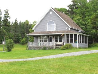 Fantastic water-front cottage with all amenities.