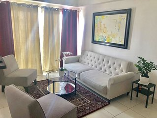 3 BEDROOMS APT CITY CENTER W POOL AND GYM