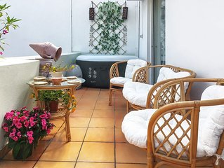 Sunny, Luxurious 2Br/2Ba Apt Retreat with Parthenon views in the Heart of Athens