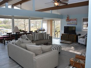 Remodeled Lake Home In Quite Cove.