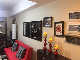 Chic  Condo In Urban  Prime Location With Sophisticated Style Ready For Move In