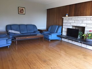 Cozy Guest 3 BR House in South Burnaby BC