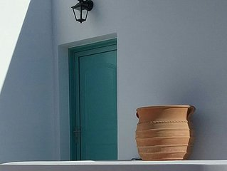 Sophie's Boutique Home - modern Greek house with outside Jacuzzi,
