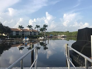 Relaxing vacation spot in beautiful Naples Port of the Islands Florida