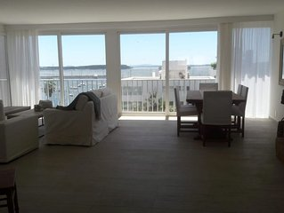 Location, location! Península of Punta del Este! 2 to 6 guests/2 a 6 personas!