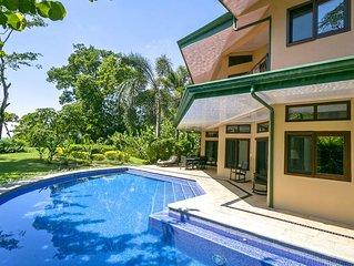 Villa Central Steps to the Beach, Jungle & Ocean