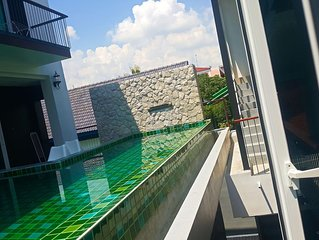 3BRs 5 BathRms with private pool in BKK, 3 km to metro ,9 km to BKK airport