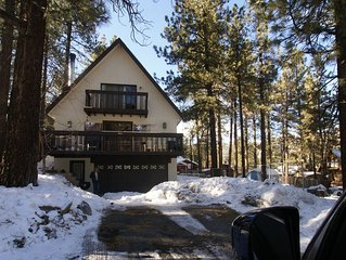 All Pine Inn - Large 4bd/2ba - just steps to the village