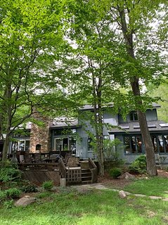 Beautiful 5 bdr. Lakefront Home in Poconos l Full Amenities with Lake Naomi Club