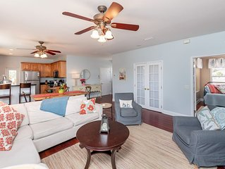 Amazing 3/2.5 Beach Condo with Private Pool and Elevator