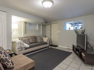 East Van Suite - 20 min walk to Commercial dr.-10 min drive to DT Van