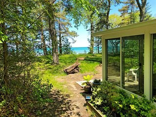 Waterfront Cottage Weekly Rental Lakeside Vacation