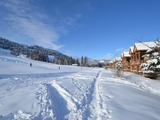 Cozy Mountain Home, True Ski-in/Ski-out with Private Hot Tub - Sleeps 12!