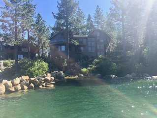 Breathtaking Lakefront Home- Private beach-Fabulous sunsets-Kayak & canoe too!