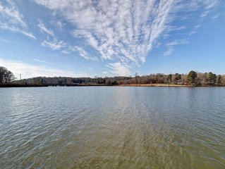 PERFECT LAKEFRONT RETREAT FOR A LARGE GROUP ON LAKE NORMAN