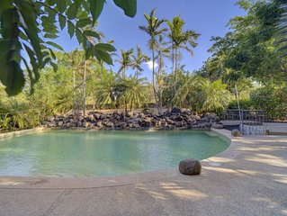 Comfortable and well equipped Condominium w/ pool - convenient location