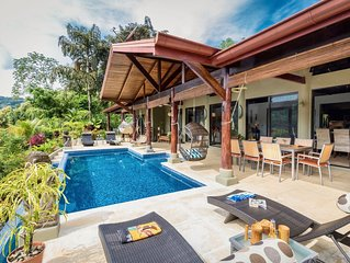 Introductory Discounted Rates Luxury & Comfortable Home Outstanding Valley View