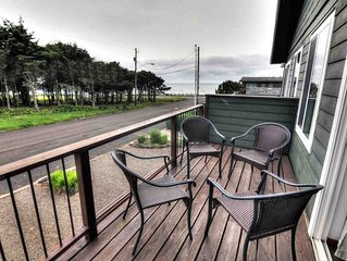 Walk to Everything! Yachats Village, Ocean View - Sleeps up to 12! FREE NIGHT!
