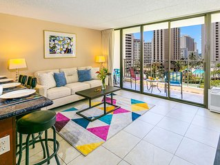 Beautiful Waikiki Banyan Condo 9th Floor | Pool and Ocean View | Parking