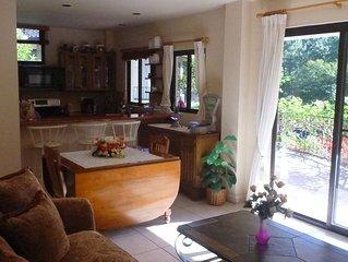 Luxury 1 bedroom Apt. In custom home area of Valle Escondido