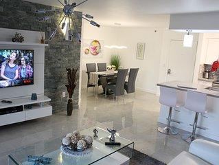 Yacht Club at Aventura  Luxurious Apartment  3 min Beach 3 min Shopping 1Bd 1Ba