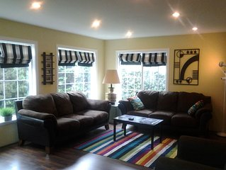 Affordable, Bandon-by-the-sea Retreat,Steps To The Beach 3 Bds/2 Baths Sleeps 8