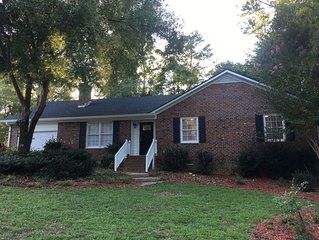 Newly Renovated House in Athens! 5 miles from Sanford Stadium!